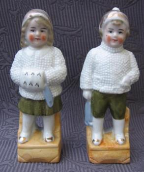 Pair of Porcelain Stutues - bisque - 1900